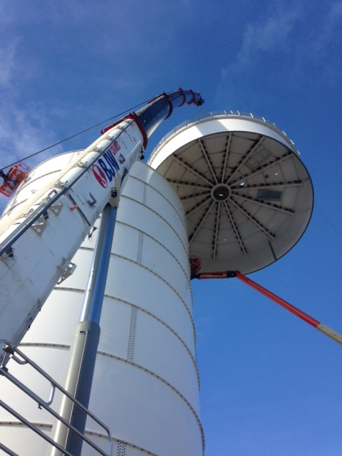 Crane Hire to lift top of silo